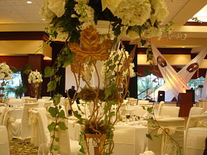 floral auction centerpiece ideas too big