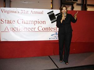 Female auctioneer Sherry Truhlar competing at VAA