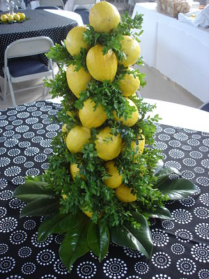 school auction centerpieces ideas - lemons