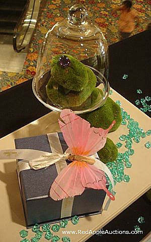 fundraising auction tips - glass bead decor WPAS jewelry