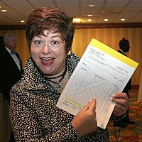 auction team member Sheri of Red Apple auctions - benefit auctioneer Virginia