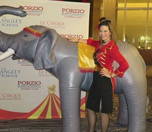 Circus Rimgmaster Auctioneer Sherry Truhlar_opt