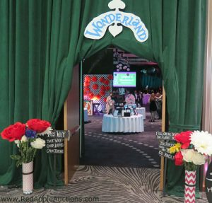 2017 Langley School Alice in Wonderland entrance